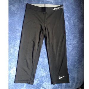 Nike Pro Capri leggings